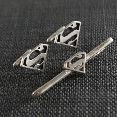 Superman Silver Tie Clip and Cufflinks