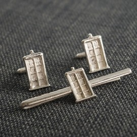 Doctor Who: Silver TARDIS Tie Clip and Cufflinks