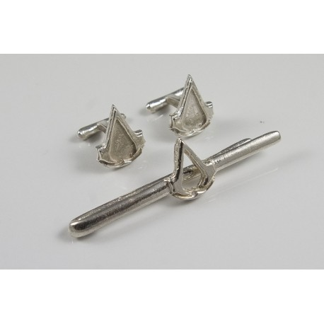 Assassins Creed: silver tie-clip and cufflinks set